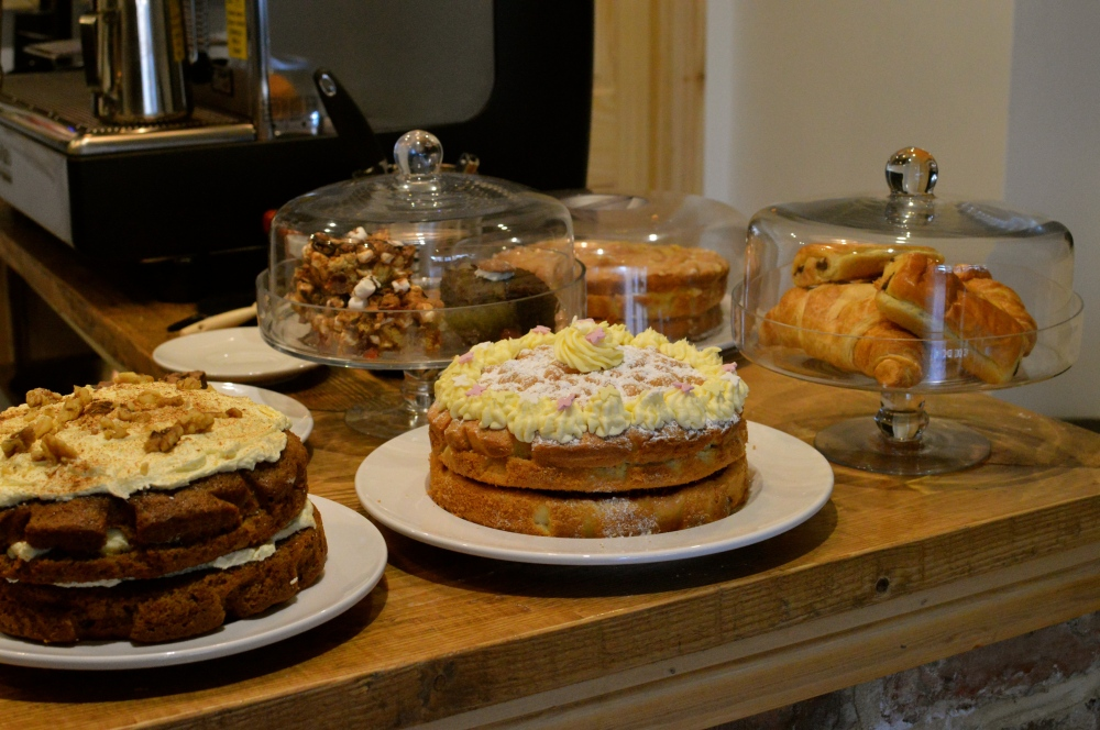 A closer look at the cakes...