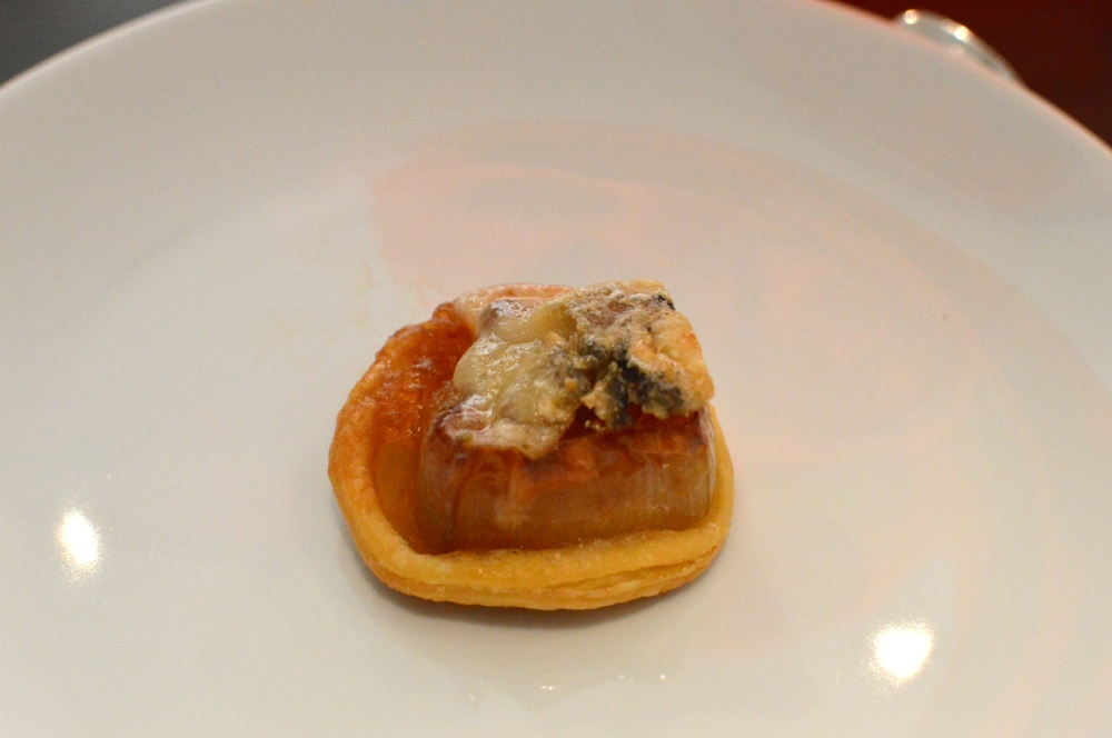 Caramelised shallot tart tatin with mordon blue cheese