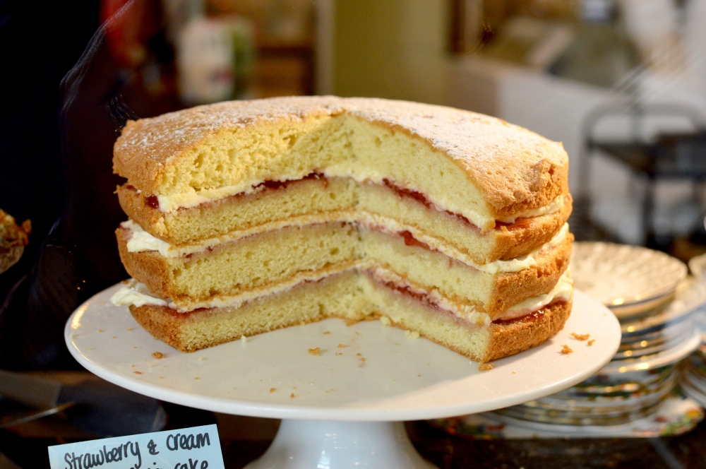 Victoria sponge - FOUR layers of sponge
