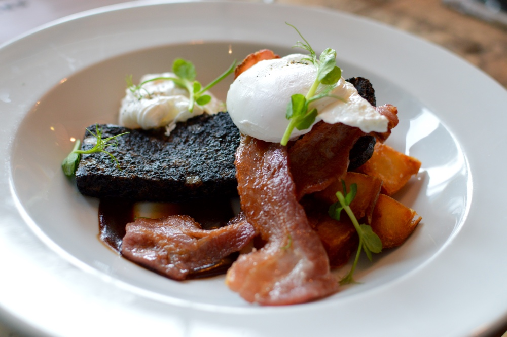 Black pudding, sautéed potatoes, crispy bacon, poached egg, brown sauce